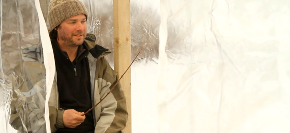 beginners-guide-to-ice-fishing-jigging